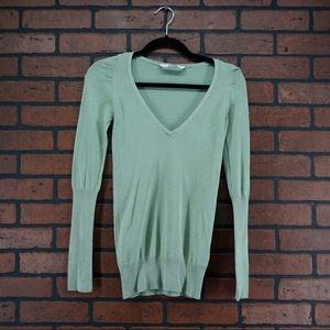PULL AND BEAR Sage Green V-neck Sweater Size Small